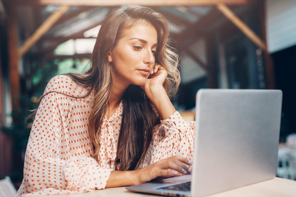 Dolgokat írhatsz magadról a társkereső oldalakon